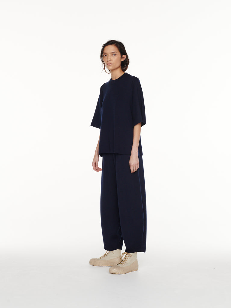 Moura Pant in Dark Navy