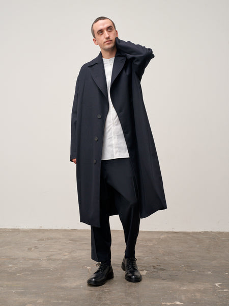 Mind Overcoat In Dark Navy Herringbone Lambswool - Studio Nicholson