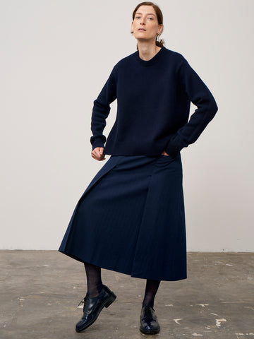 Sebbi Crew Knit In Dark Navy English Lambswool