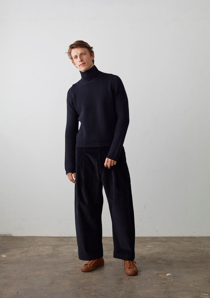 Sort Turtleneck Knit In Dark Navy