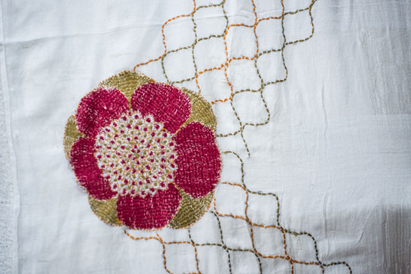 Latticed rose – hand-woven and hand-embroidered scarf