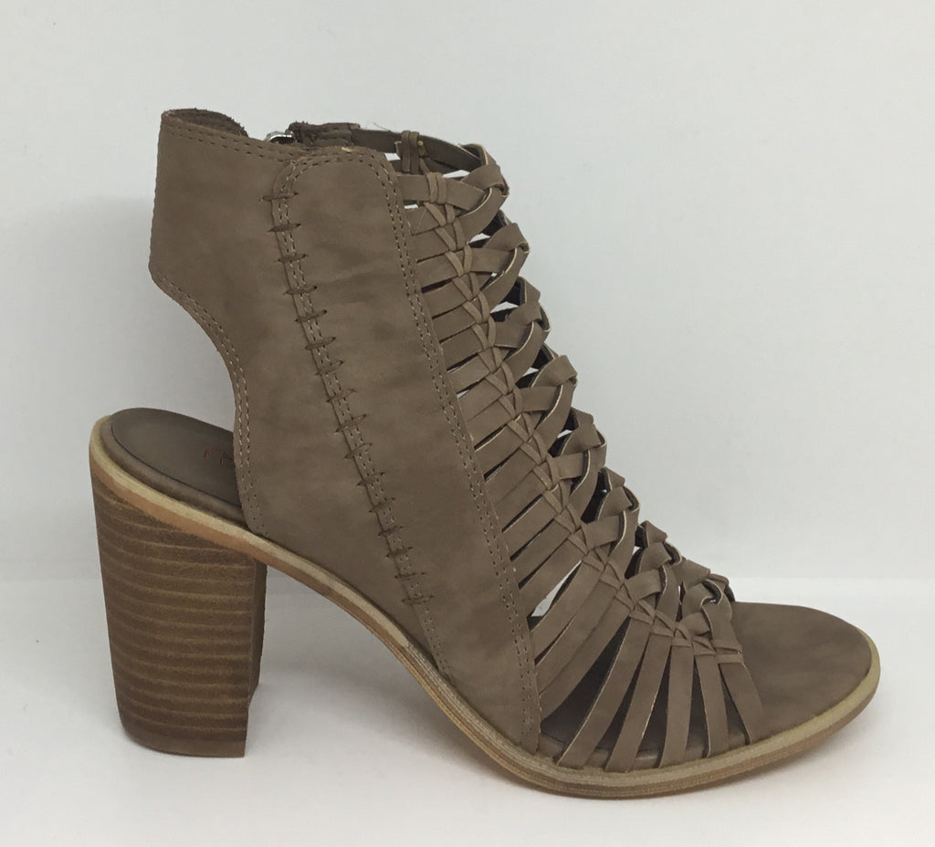 Therapy Donohue Taupe Heel