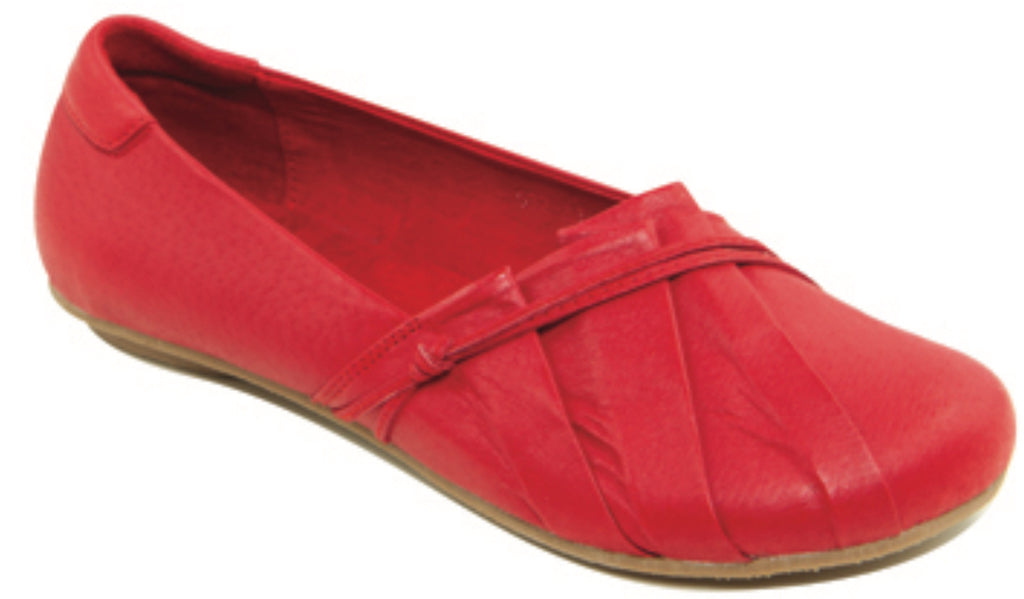 Hinako Mandi Red Leather