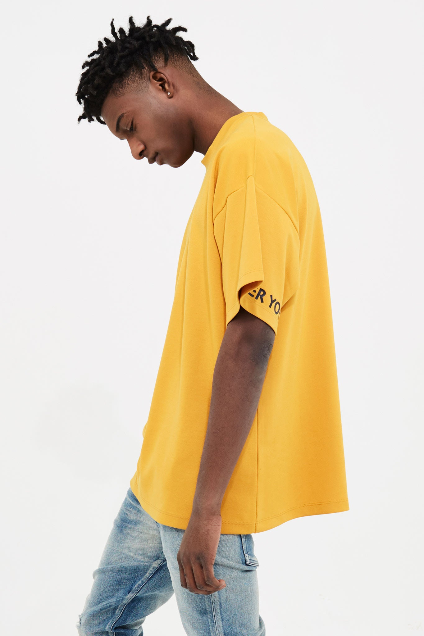 CANARY BASIC TEE WITH OLIVER YOUNG PRINT