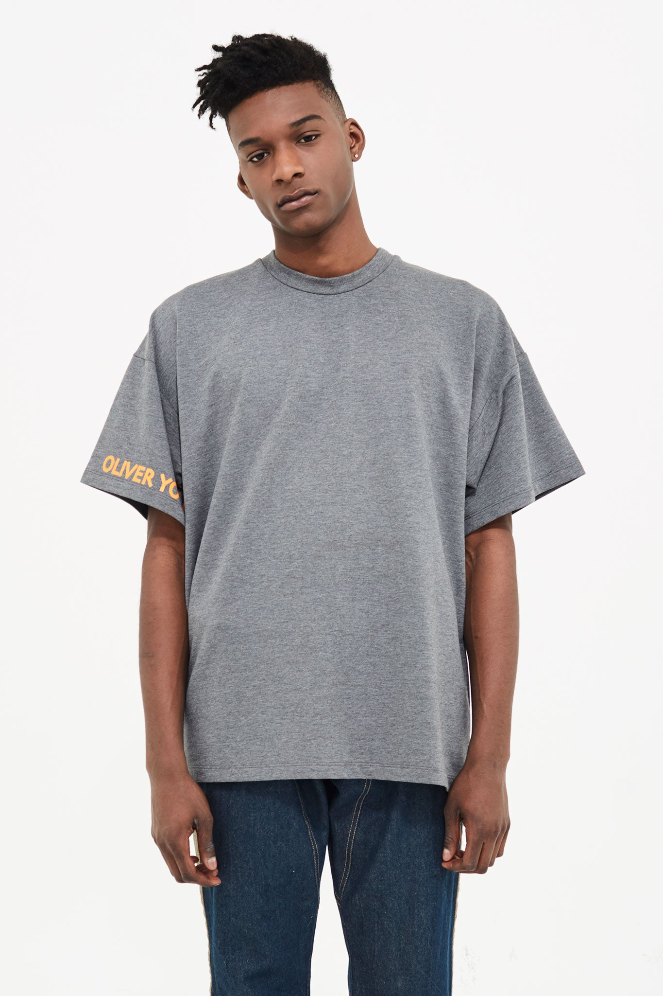 GREY BASIC TEE WITH OLIVER YOUNG PRINT