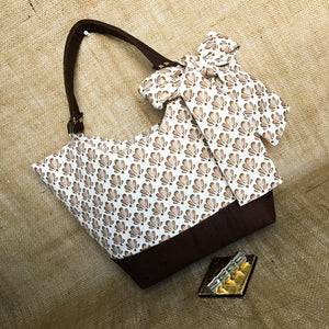 Everyday Cabana Tote in Chocolate Shell