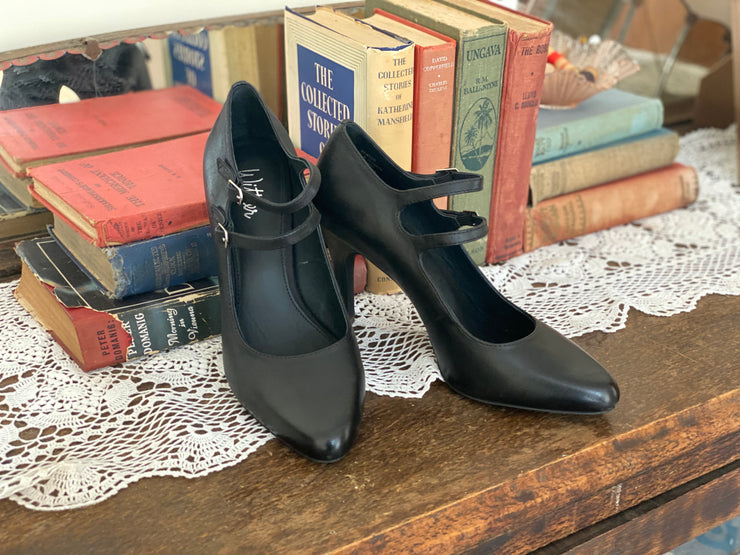 Wittner Double Strap Black Pumps sz 38/ 7