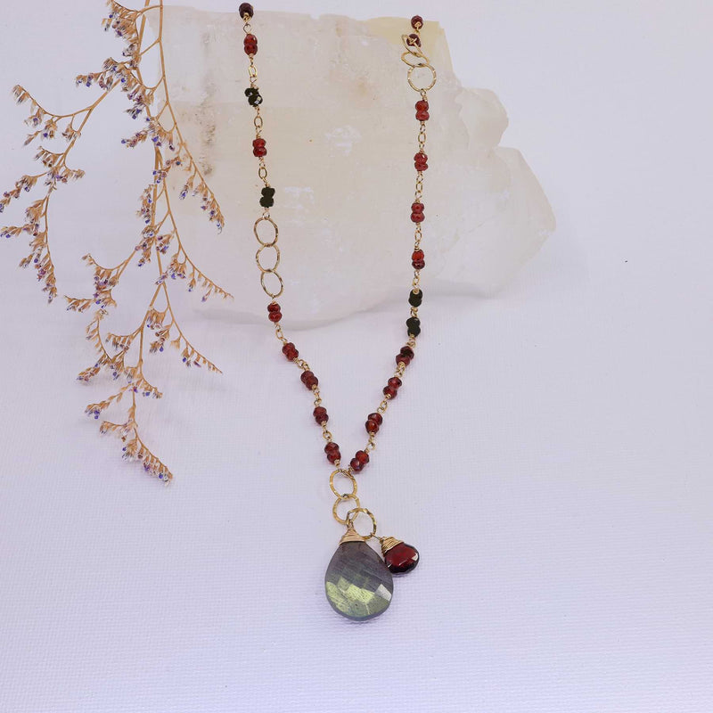 Porto - Garnet and Labradorite Gold Necklace