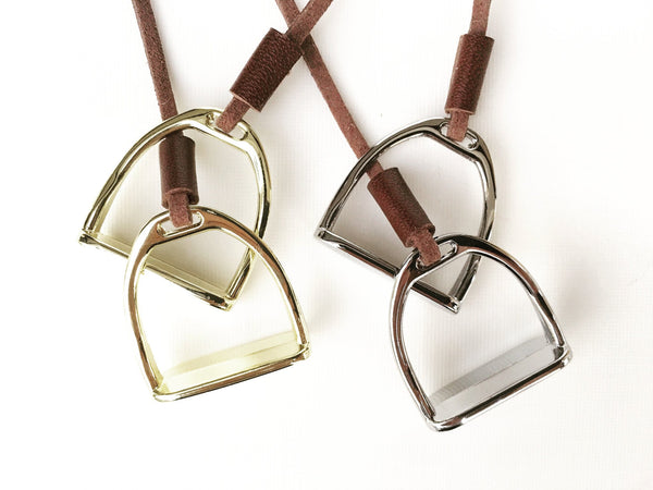 Double Horse Stirrup Leather Necklace B1114 | Ideana