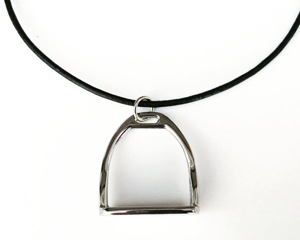 Horse Necklace with Stirrup Snaffle Bit | Ideana