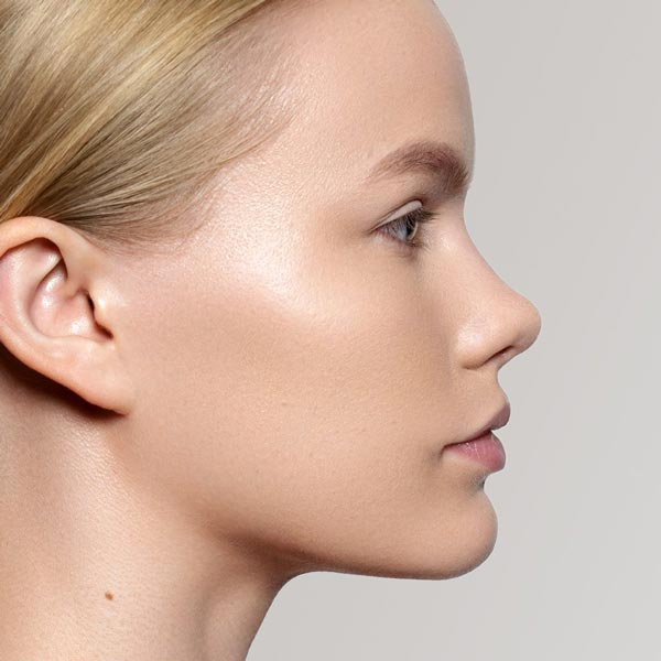 Vapour Beauty Luminous Foundation 112L Colour Shade on Face. One Fine Secret Australia.