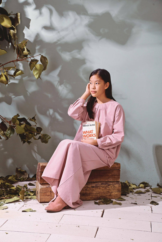 The TENANG Floral Blouse - Dusty Pink