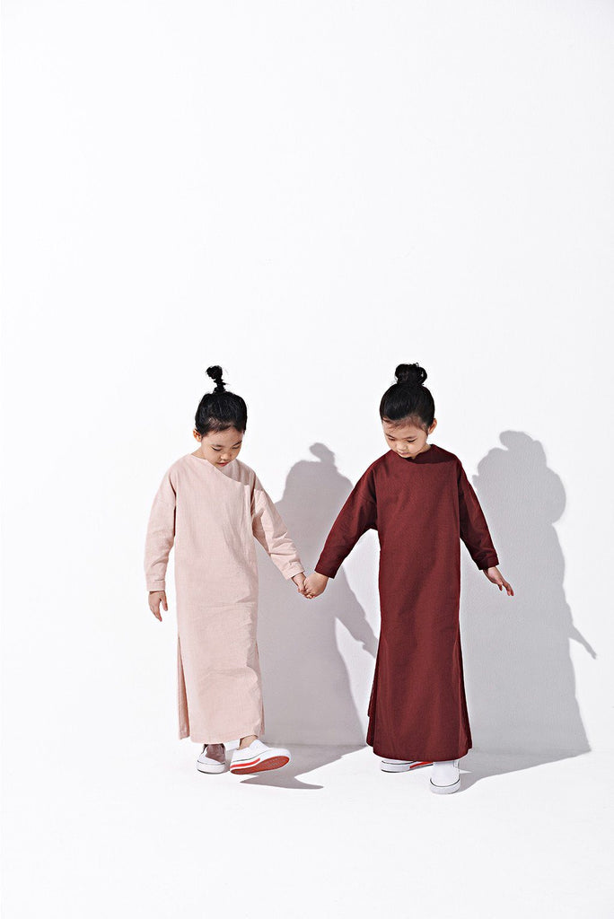 The LAGOM Unisex Jubah - Ruby Red