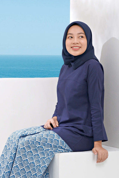 The Pulau Pair Pockets Tunic - Navy Blue