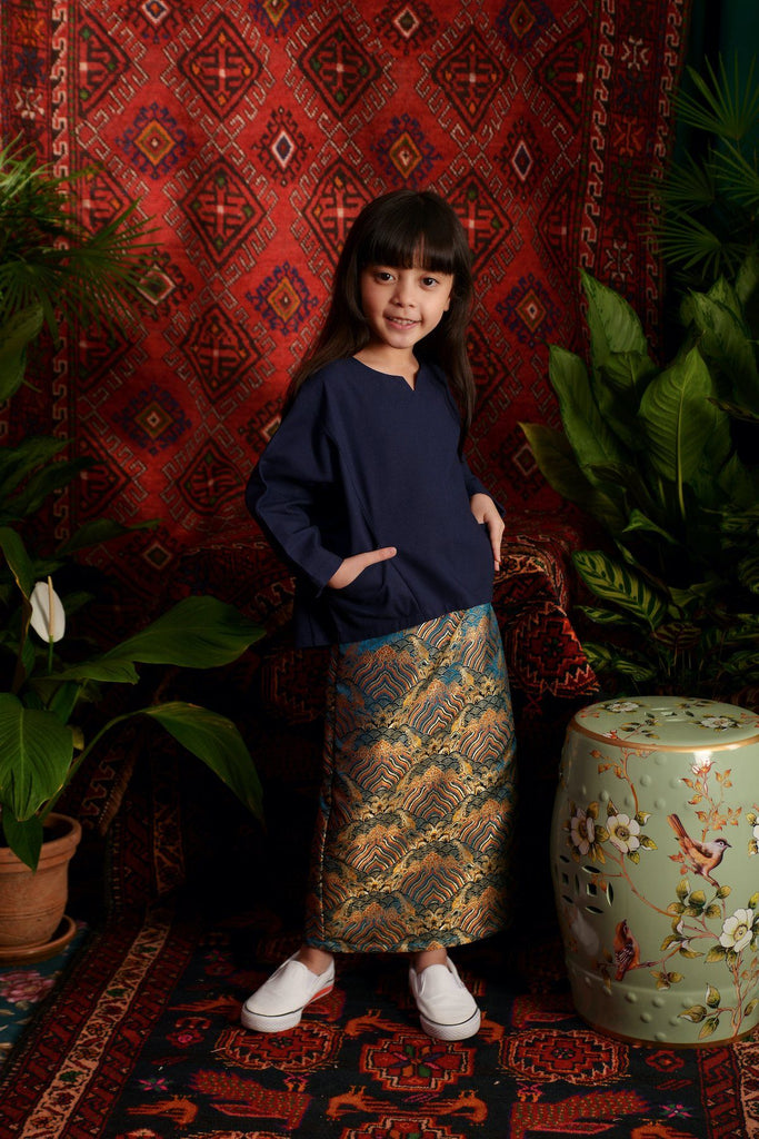 The Teratai Kite Blouse - Navy Blue
