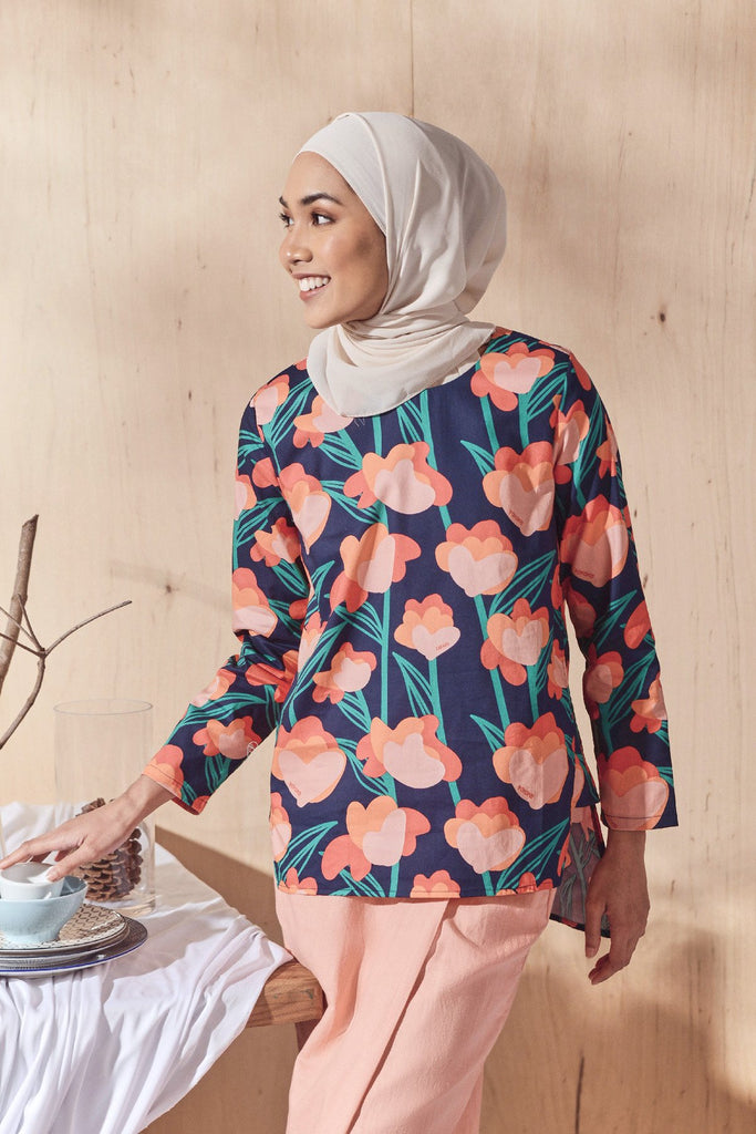 The Balik Women Pesak Blouse - Gembira