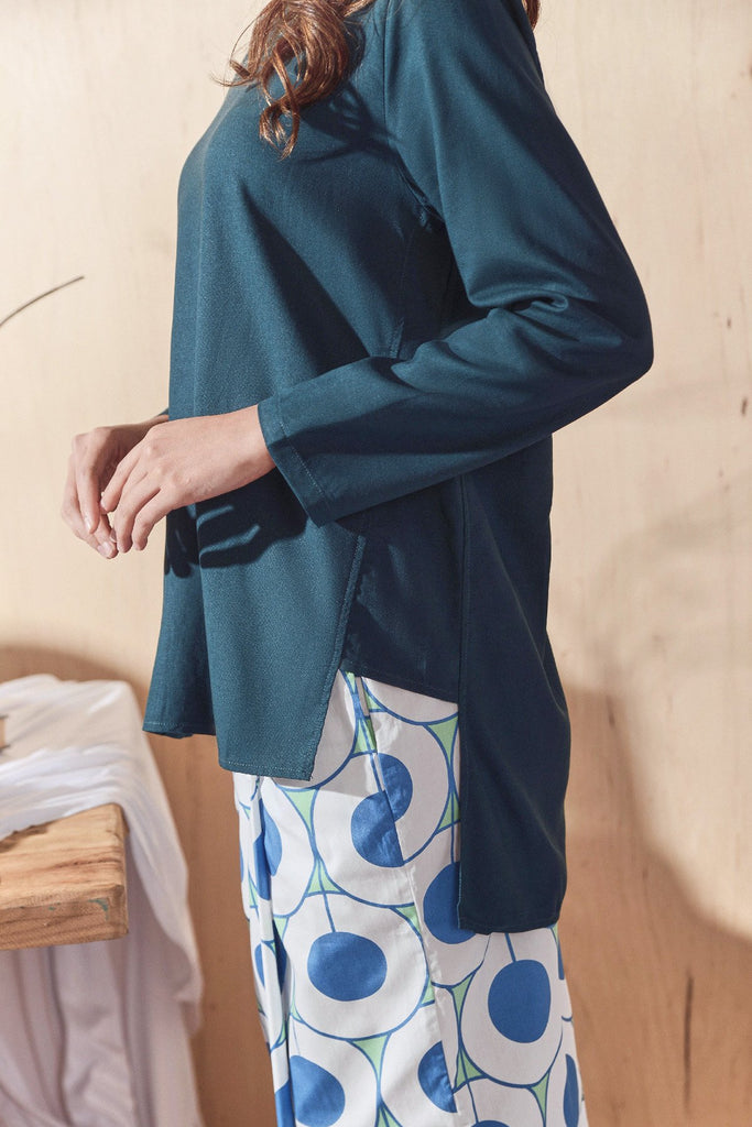 The Balik Women Pesak Blouse - Emerald Green