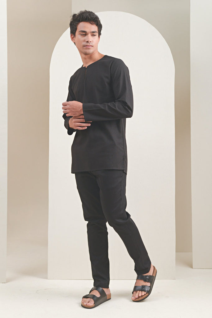 The Oasis Men Kurta - Black