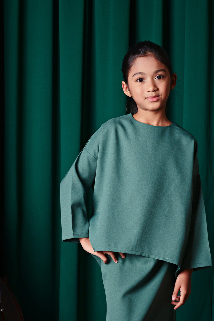 The TALI Hi-Lo Chiffon Blouse - Emerald Green