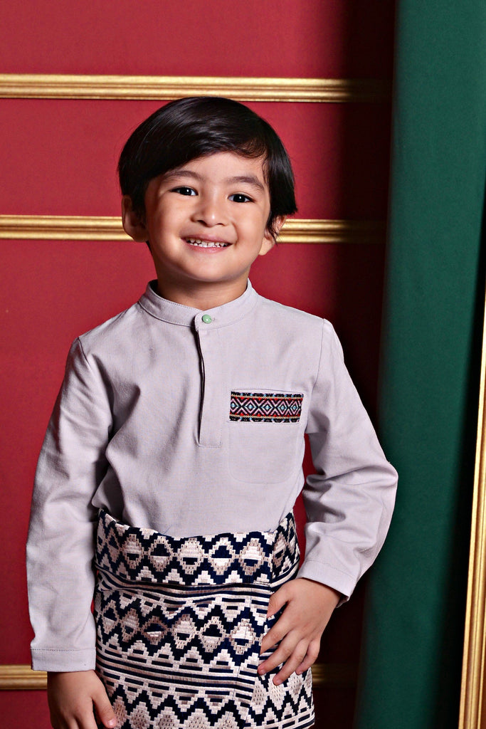 The PULANG Far East Baju Melayu Top - Light Grey