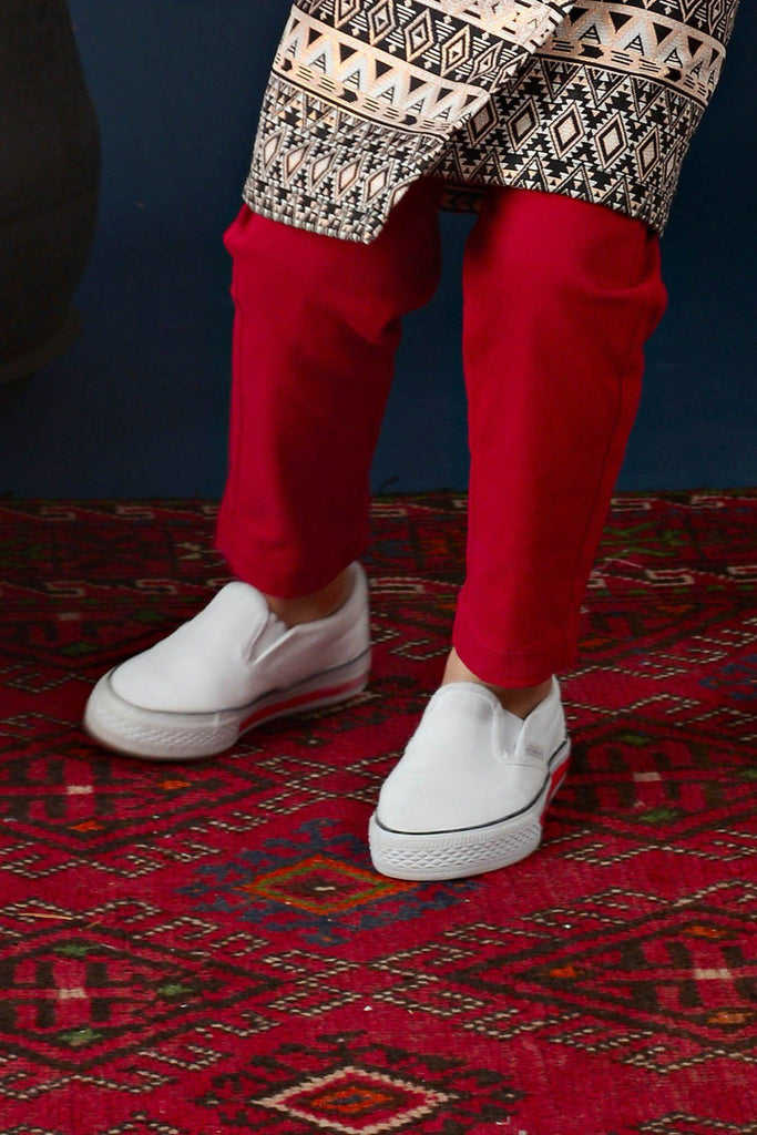 The Cerita Tapered Pants - Carmine Red