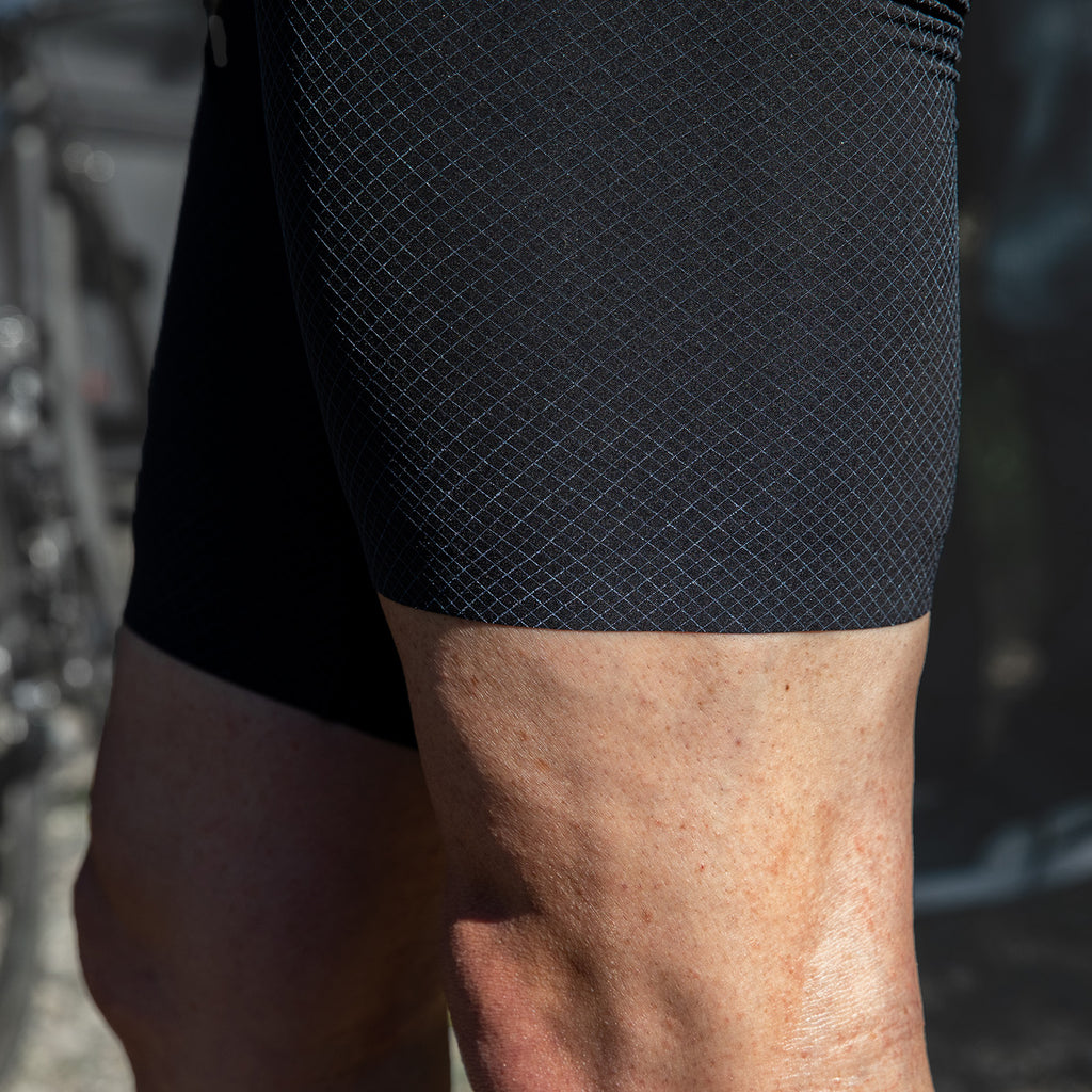 SUPERLIGHT GRID Bib Shorts - Black / White