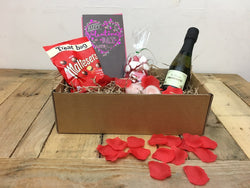 'Be my Valentine', gift box for her (with Prosecco)