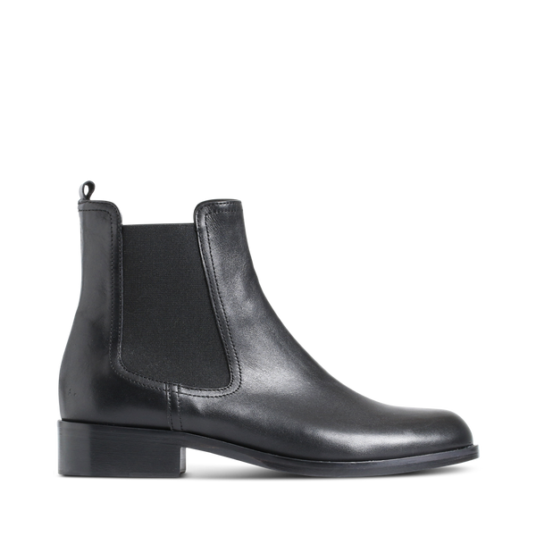 Stylesnob AW17 - Roan classic black chelsea boot made in calf leather