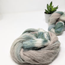 Load image into Gallery viewer, An Caitin Dubh yarn: Bring me the sea