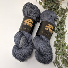 Load image into Gallery viewer, An Caitin Dubh 4-ply yarn