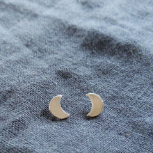 Load image into Gallery viewer, Tiny moon earrings