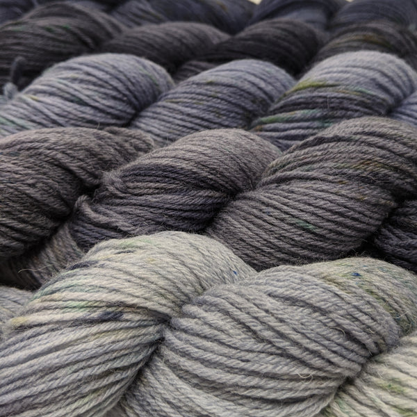 An Caitin Dubh - Grey Gradient yarn packs
