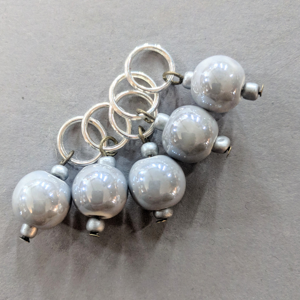 Soft grey markers - stitchmarker set