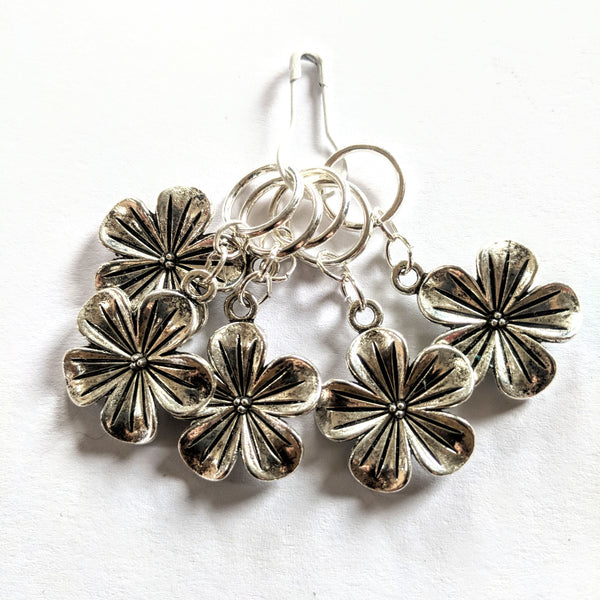 'Silver blooms' stitchmarkers - flower power fund