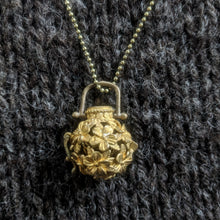 Load image into Gallery viewer, Flowerball stitchmarker pendant