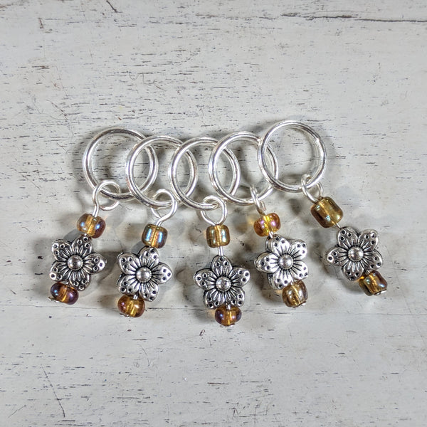 Tiny blossom stitchmarkers - flower power fund