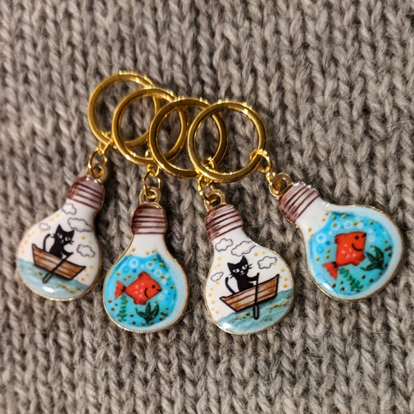 Fishing cat stitchmarkers