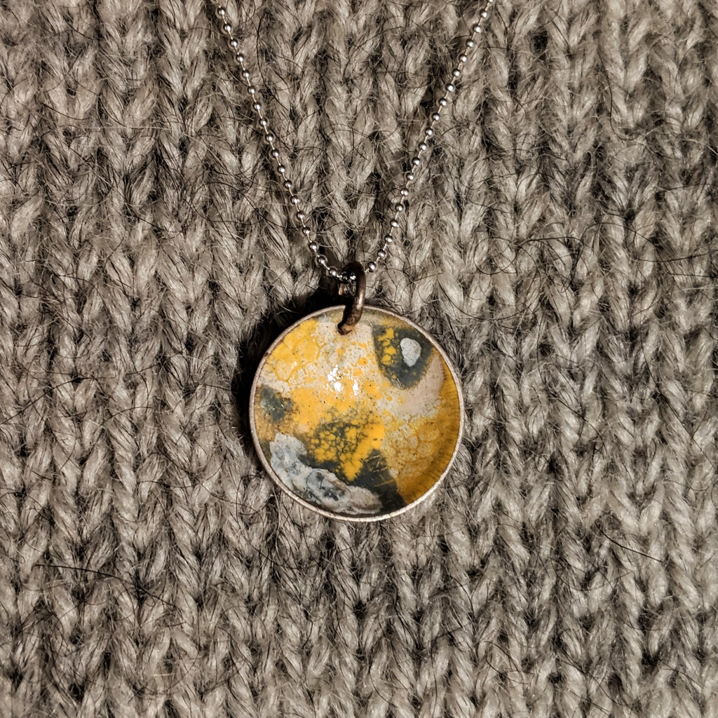 Abstract enamel pendant - grellow