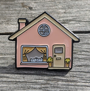 Cats - or dogs - stay home: enamel pin