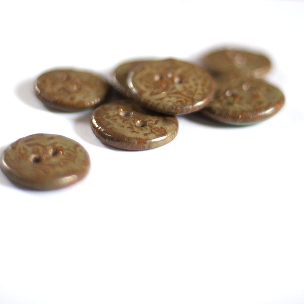 Large textured buttons