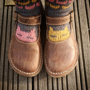 Peeky Catsocks pattern - download