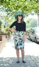 FLORAL SCUBA SKIRT Soft Blue