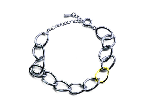 """Chiara"" The Bright One,Bracelet in White Gold"