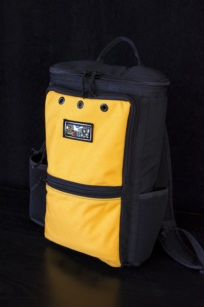 Insulated beer cooler holds 12 twelve oz. cans, 9 sixteen oz. cans, 3 twenty-two oz. bombers or 3 bottles of wine.