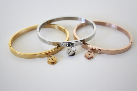 Heart lock bangle