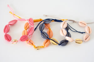 Colored shell bracelet