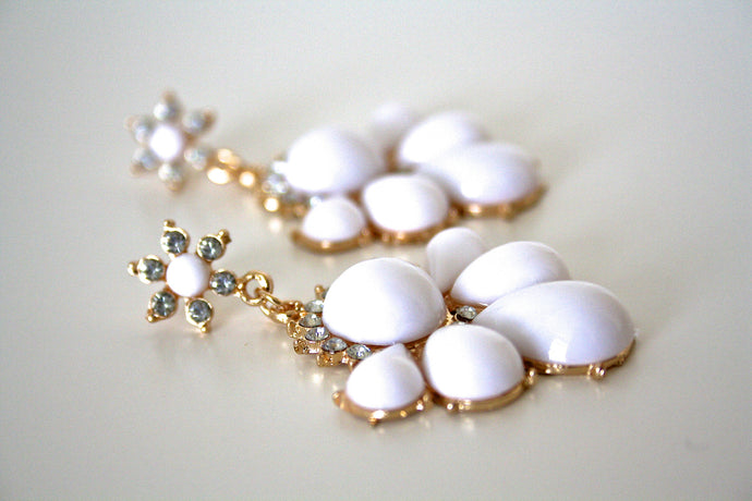 White drop earrings - Atelier Kollee
