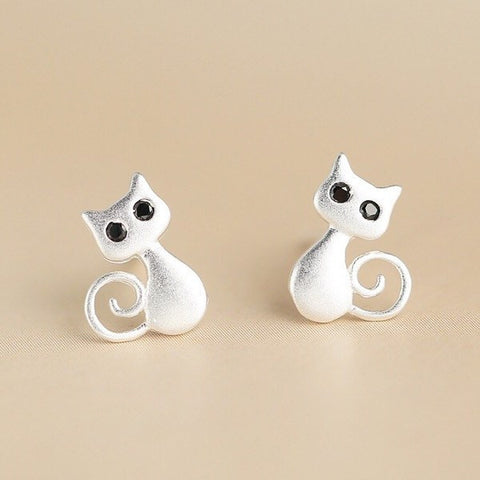 Cute Cat Stud Earrings With Onyx Eyes