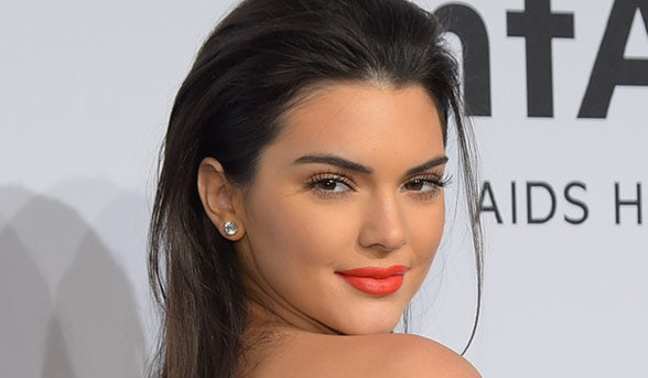KENDALL JENNER REVEALS HOW SHE STANDS WEARING HEELS ALL NIGHT
