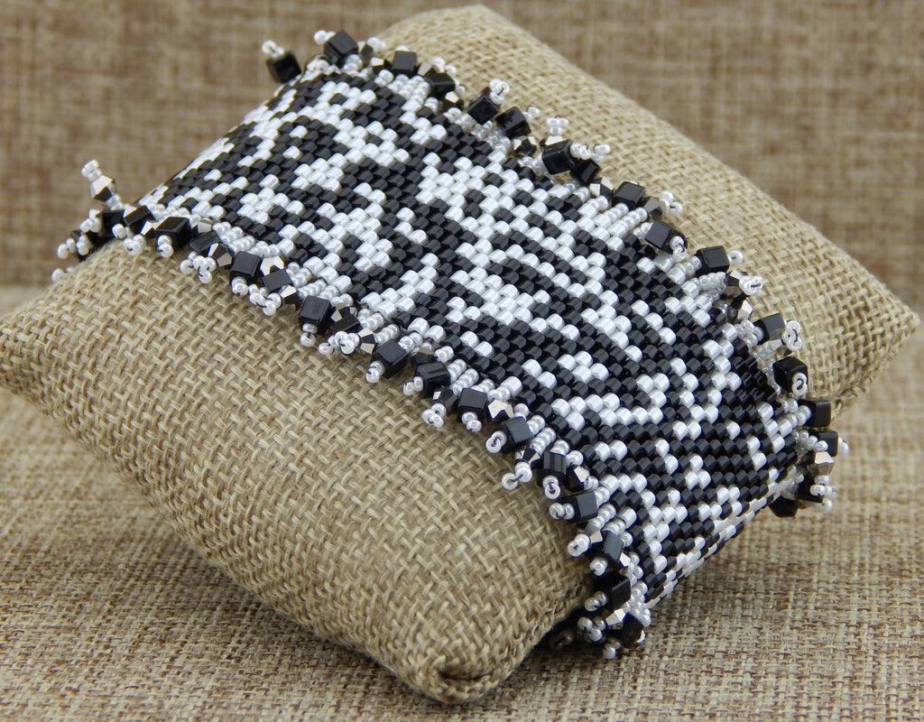 Basic Peyote Barcelet Bead Soup Black & White